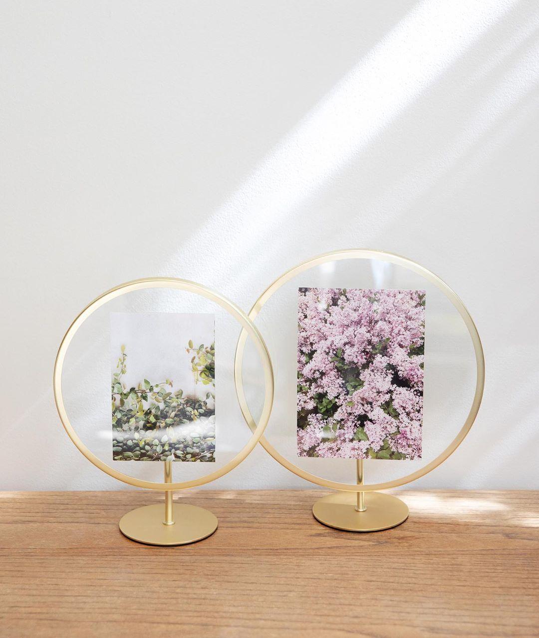 Infinity Photo Frame Display